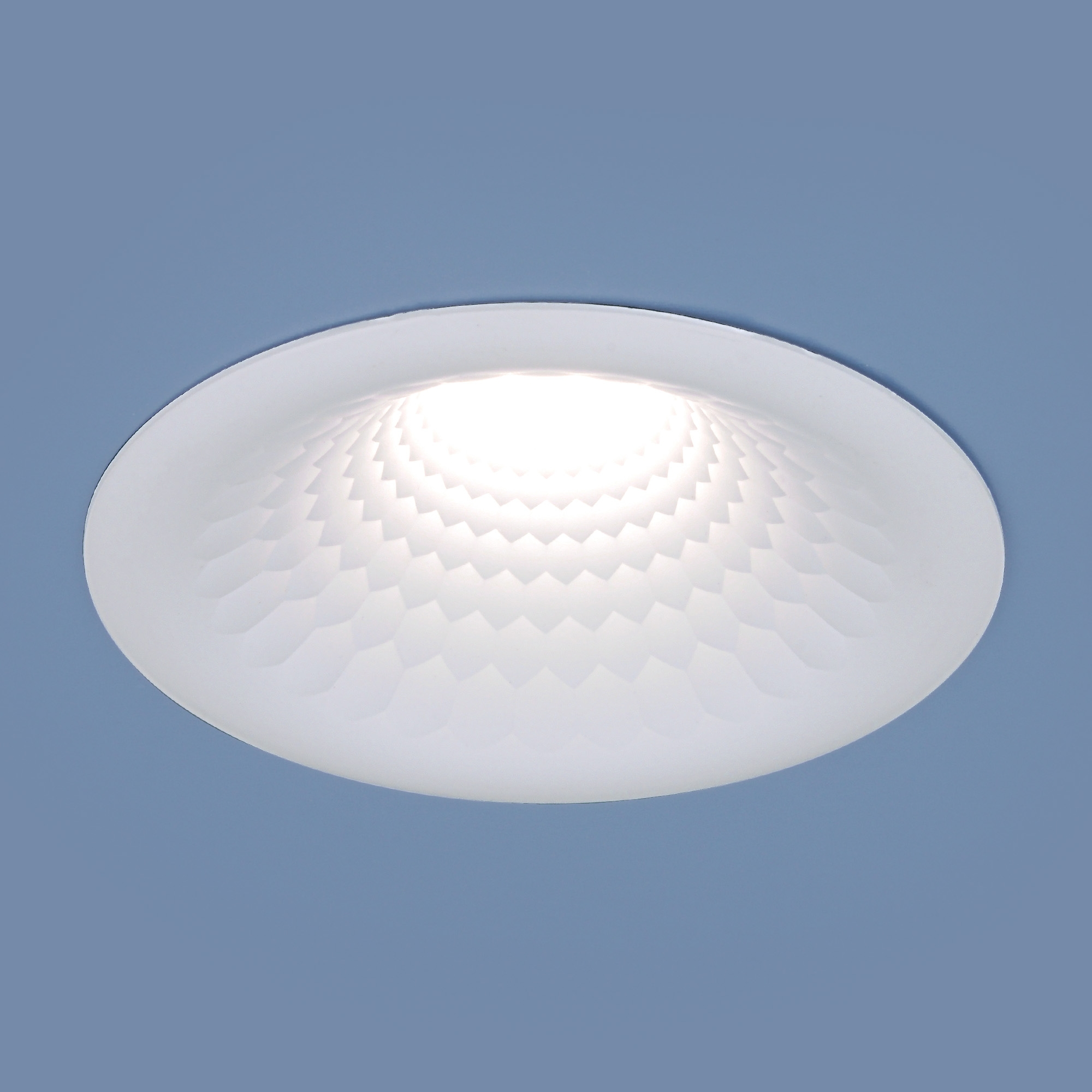 9905 LED 7W WH белый Встраиваемый точечный LED светильник Elektrostandard